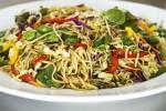 طرز تهیه سالاد نودل چینی Asian-Noodle-Salad