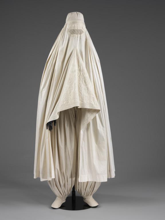 تعبیر خواب چادر زنانه سفید