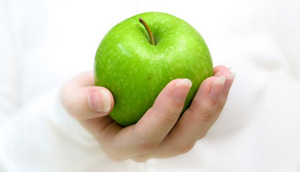 سیب را با پوست بخورید!