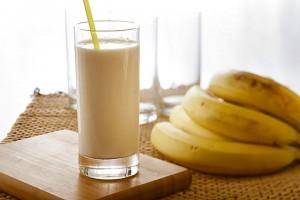 شیرموز چاقی banana-milkshakes