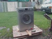 کلیپ دیدنی منهدم کردن ماشین لباسشویی