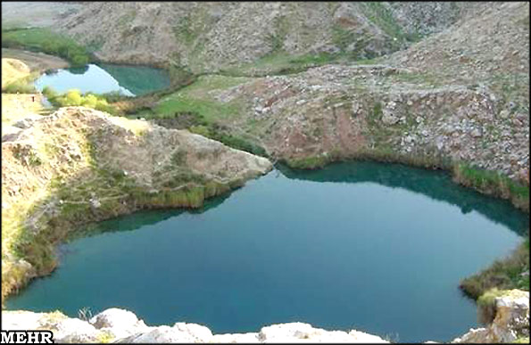 """""""سیاه گاو"""" یکی از دریاچه های نادر دنیا"""