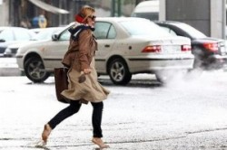 دردسر دختری در تهران با کفش پاشنه بلندش