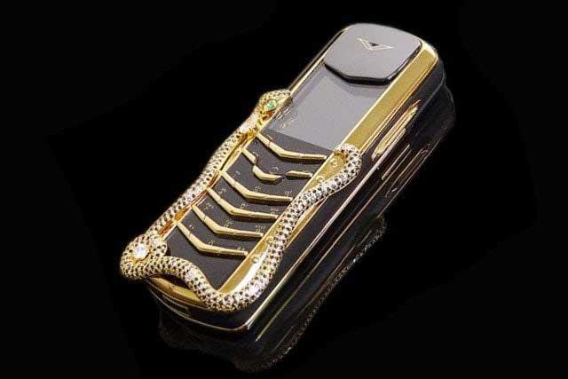 Vertu Signature Cobra 1 - گرانترین گوشی موبایل جهان را بشناسید! 11 گرانقیمت ترین گوشی های دنیا