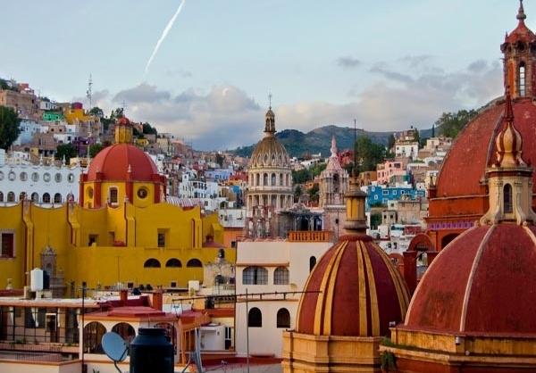 شهر رنگارنگ گواناخواتو در مکزیک