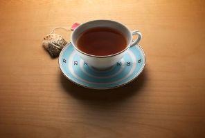 در روز چند لیوان چای می نوشید