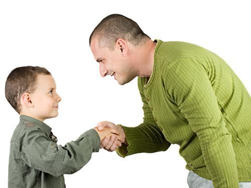 چگونگی برخورد و تعامل با دور و بریا کودکان