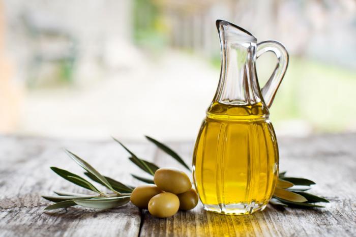 روغن زیتون چه کاربردهایی دارد؟ olive-oil-and-olives