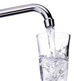 7 پیشنهاد مفید برای بیشتر آب خوردن