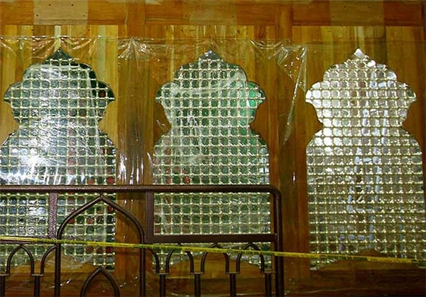 نصب پنجره های ضریح مطهر امام حسین (ع) + تصاویر