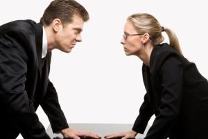 چه مواقعی در بحث هایمان کوتاه بیاییم؟