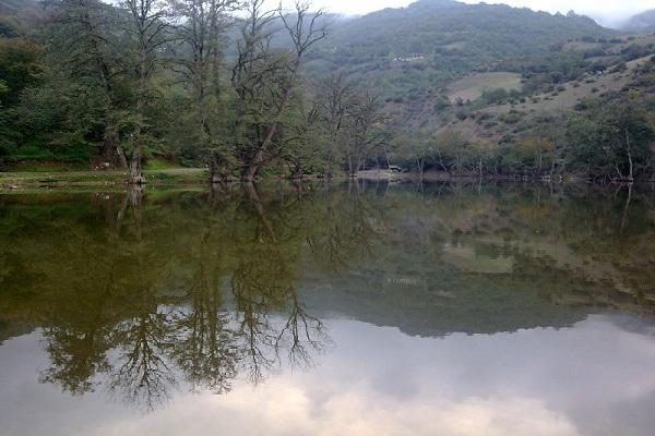 تصاویر زیبا از دریاچه شورمست