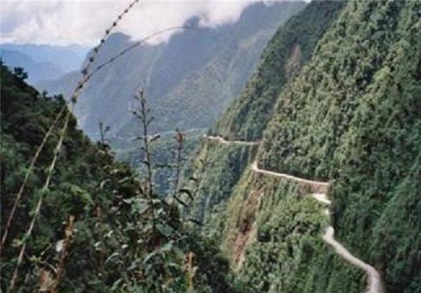 جاده های صعب العبور و دلهرهآور