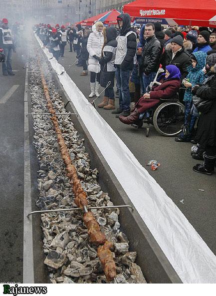 طولانی ترين سيخ كباب به طول 161 متر