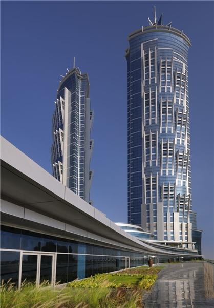 افتتاح بلندترین هتل دنیا + تصاویر