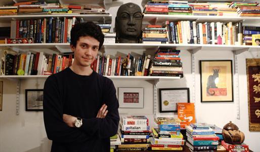 جوان نیویورکی به ۲۳ زبان صحبت می کند