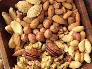 healthier-nuts-مواد خوراکی افزایش انرژی