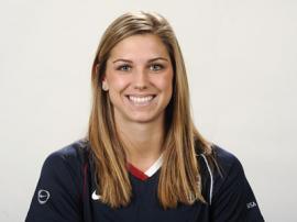 Beautiful-female-footballer01
