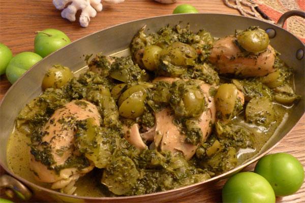 لیست غذاهای بهاری,خورش گوجه سبز و چغاله بادام
