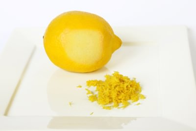 لیمو برای رفع تیرگی زیر بغل
