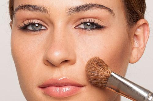 آموزش گریم صورت,آرایش صورت برجسته سازی گونه ها