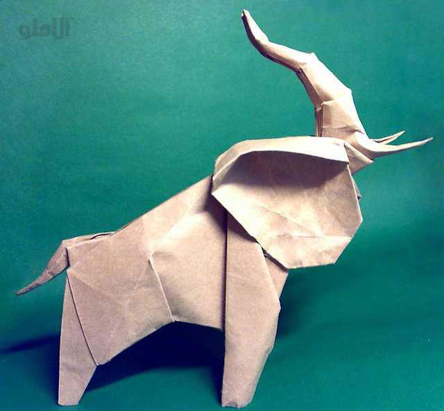 elephant-Neal-Elias-Beautiful-3D-Origami-by-Jaroslav-Mishchenko