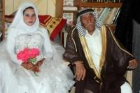 ازدواج داماد 92 ساله با عروس 22 ساله + عکس