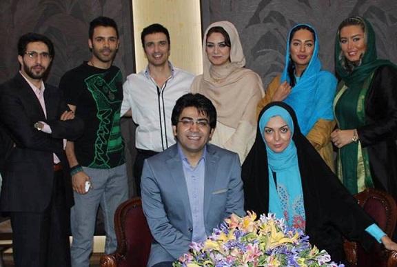 مراسم پاگشای فرزاد حسنی و آزاده نامداری توسط هنرمندان