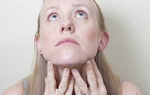 ماساژ دادن صورت,حرکت زرافه یوگای صورت