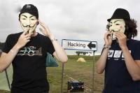 کمپ 3 هزار نفری هکرها در حومه آمستردام / عکس