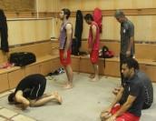 فوتبالیست های مشهور در حال نماز خواندن / عکس