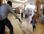 """مردی مسلمان قهرمان گروگانگیری مرکز خرید """"کنیا"""" +عکس"""
