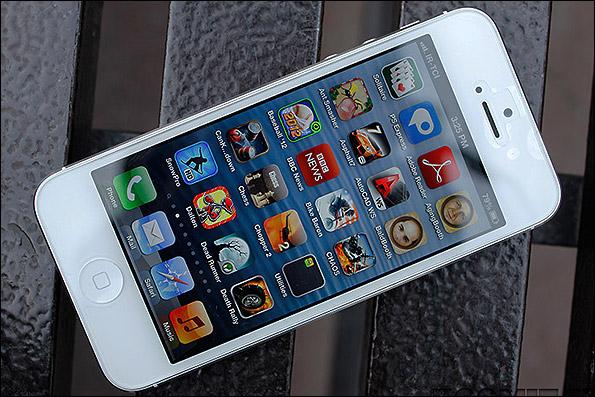 کاهش قیمت 250 هزار تومن آیفون 5 در ایران
