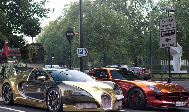 بوگاتی ویرون طلایی متعلق به یک سرمایه دار سعودی در لندن + عکس