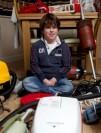 پسر بچه 9 ساله با کلکسیون جاروبرقی + عکس