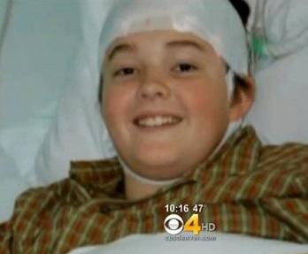 پسری که ضربه مغزی او را نوابغ موسیقی کرد + عکس