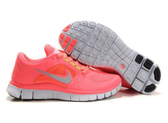 21 مدل کفش ورزشی دخترانه