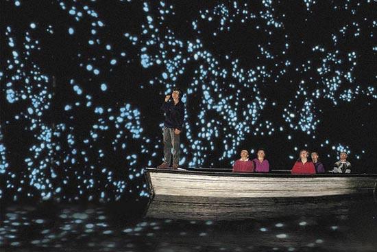 تجمع کرم های شب تاب در یک غار + عکس