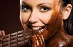 خوردن شکلات به آب کردن چربی ها کمک می کند