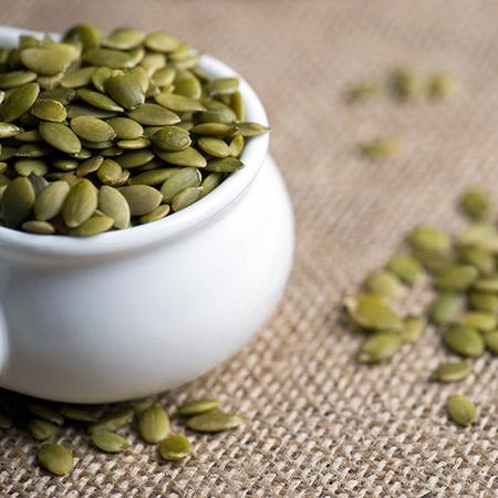غذاهای کاهنده انرژی,دانه ای کدو برای افزایش انرژی بدن
