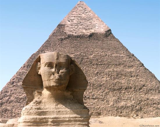 inside_pyramid3