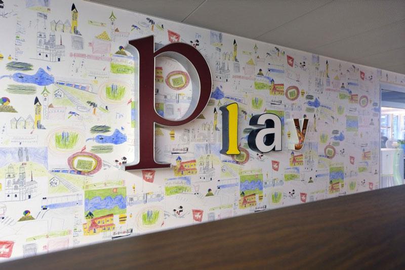 بازی کنید (Play)