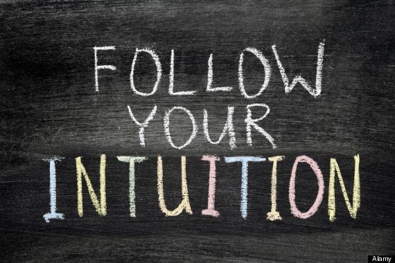 نشانه های هوش احساسی بالا,علائم هوش احساسی,follow your intuition phrase handwritten on blackboard