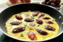 طرز تهیه خاگینه خرما برای شب یلدا
