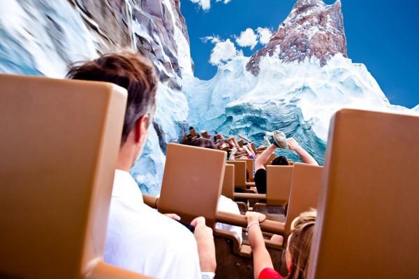 بهترین پارک های تفریحی جهان,disney-Timothy-Tichy-600x399