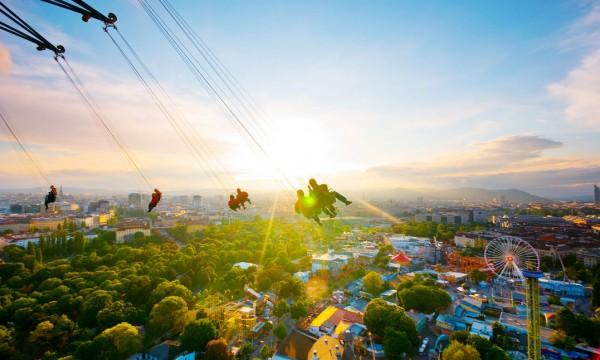 بهترین پارک های تفریحی جهان,prater-Ren-Hui-Yoong-600x360