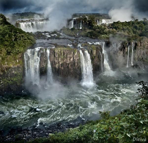 Iguazu-Falls-600x579