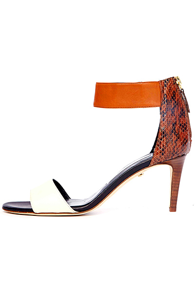 کفش پاشنه بلند زنان