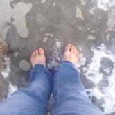 یک سال پای برهنه برای کمک به خیریه + عکس