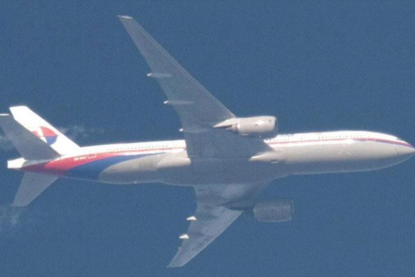 ردپای انور ابراهیم در گم شدن هواپیمای مالزی!